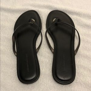 Banana republic black leather flip-flops